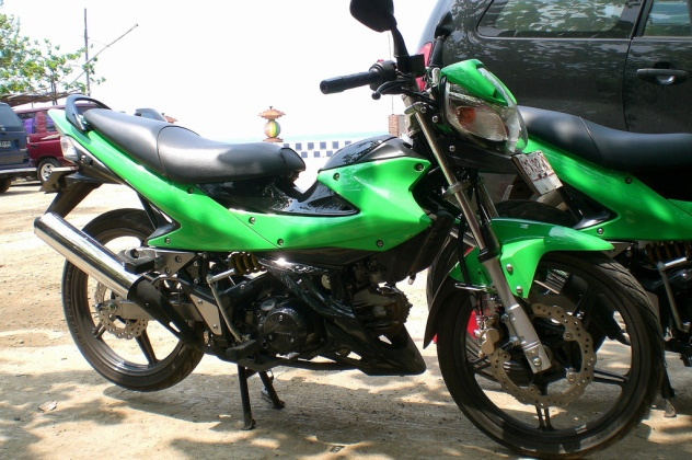 http://ducatimonster.files.wordpress.com/2007/11/extrem-kawasaki.jpg