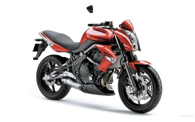 New Kawasaki ER6 Red Edition