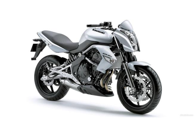 New Kawasaki ER6 Silver Edition