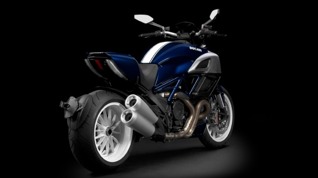diavel blue