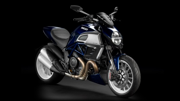 diavel blue2