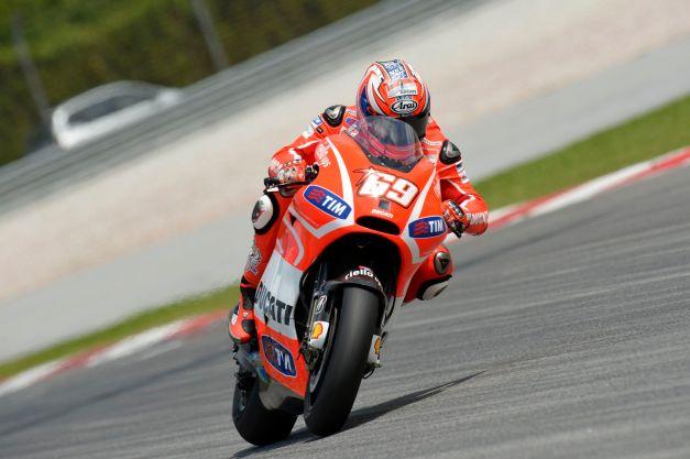 Ducati-Desmosedici-GP13-Sepang-Test-1-42