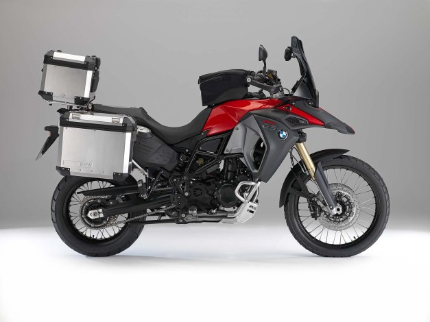 2013-bmw-f800gs-adventure-studio-still-23