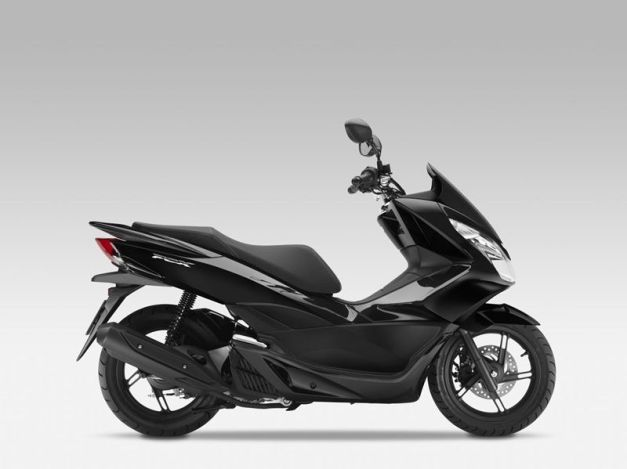 2014-New-Honda-Scooters-PCX125-and-PCX150