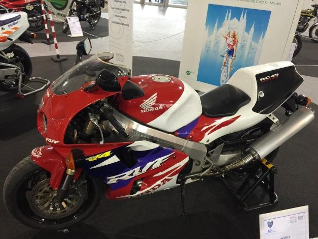 E - Honda RC45.JPG